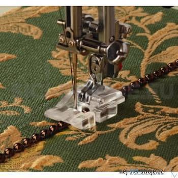 Patka pro všívání korálků a perel do šířky 2mm pro stroje s rotačním chapačem